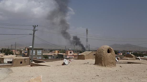 Die Taliban griffen die Stadt an.