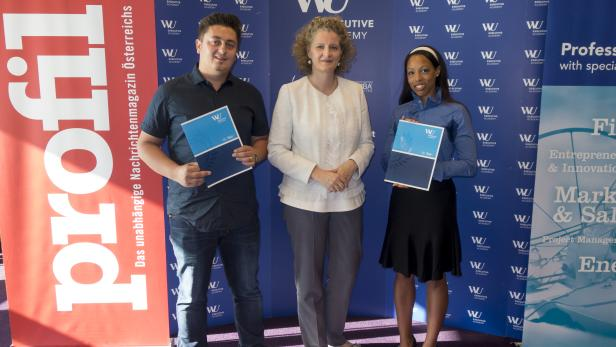von links nach rechts: Tihomir Bakovic, Prof. Barbara Stöttinger (Lehrgangsleiterin), Ada Fast-Iloduba