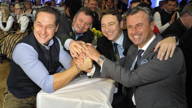 (v.l.) FPÖ-Bundesparteiobmann Heinz-Christian Strache, Günther Steinkellner, FPÖ-Landesrat Manfred Haimbuchner und FPÖ-Präsidentschaftskandidat Norbert Hofer