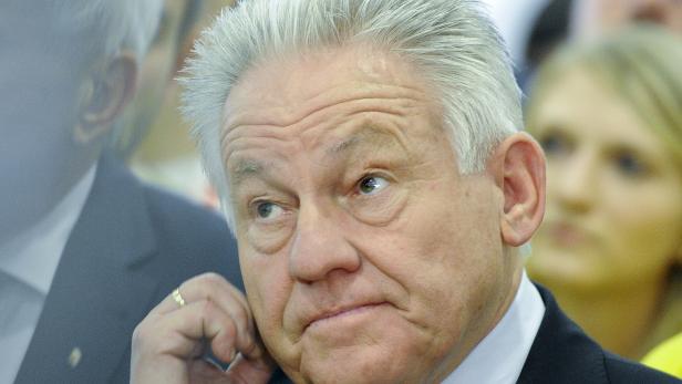 Angeschlagen: Landeshauptmann Pühringer kann trotz herber Verluste den 1. Platz verteidigen.