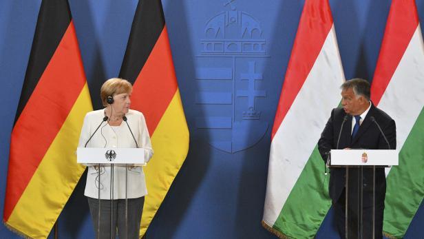 Merkel und Orban bei Festakt zur Massenflucht von DDR-Bürgern.