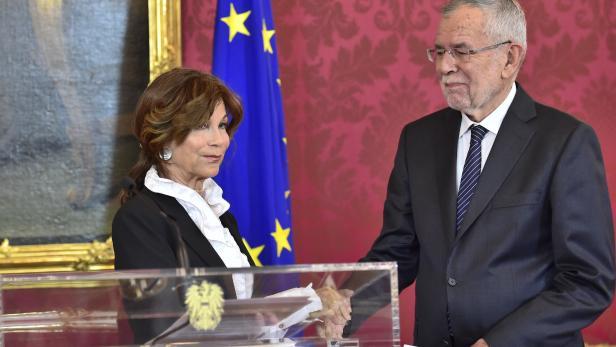 Die neue Kanzlerin Brigitte Bierlein und Bundespräsident Alexander Van der Bellen