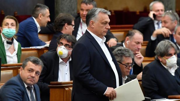 In Ungarn kann Ministerpräsident Viktor Orban derzeit ohne parlamentarische Kontrolle regieren