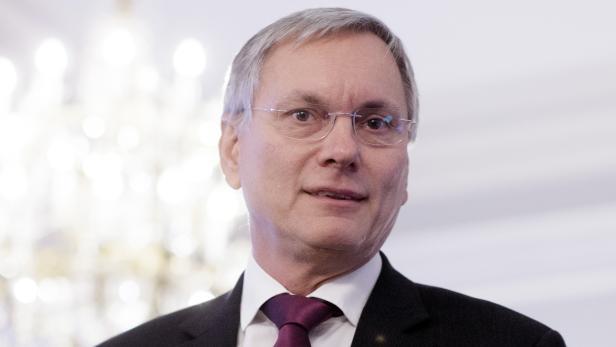 """Sozialminister Alois Stöger: """"Die Branche sollte sich auch überlegen, warum ein Viertel der Lehrlinge, die sich für die Gastronomie entschieden haben, die Ausblidung wieder abbricht."""""""