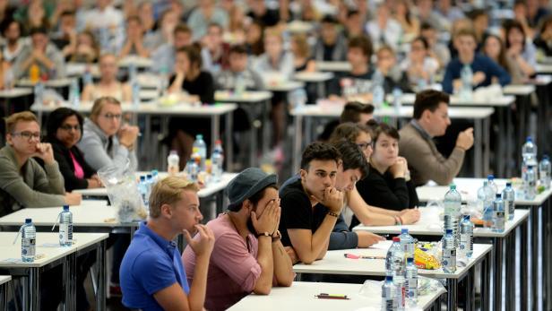 Aufnahmetest für das Medizinstudium in Wien im Juli 2015.