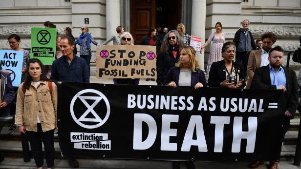 Klima-Aktivisten protestieren in London