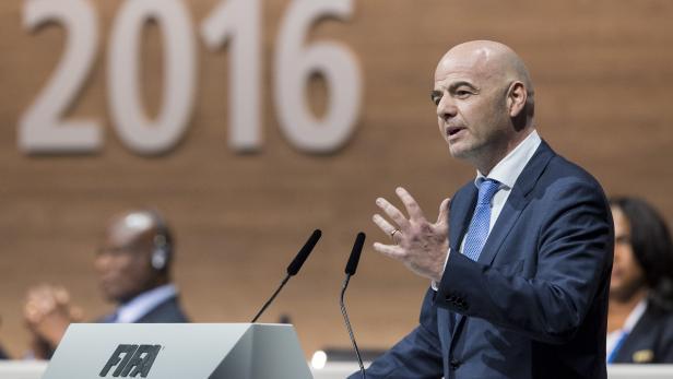 Gianni Infantino bei seiner Rede am außerordentlich abgehaltenen FIFA Kongress in Zürich.