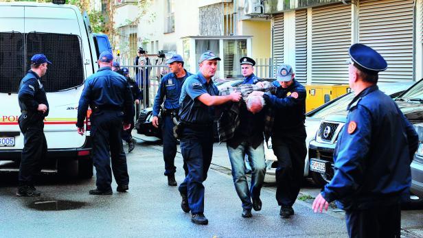 MONTENEGRO: Am Tag vor der Parlamentswahl müssen die Behörden einen Putschversuch vereiteln.