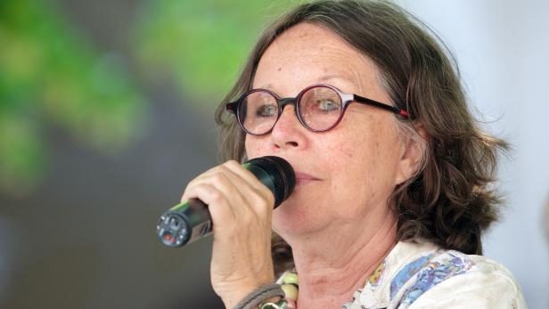 Biochemikerin Renée Schröder beim 650-Jahr-Jubiläum der Universität Wien 2015.