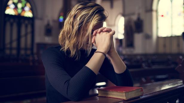 Fördert Religion die Moral? Eher nicht, wie jüngere Studien zeigen.