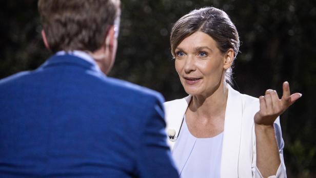 Chefin der Liste Jetzt, Maria Stern und ORF-Moderator Tobias Pötzelsberger