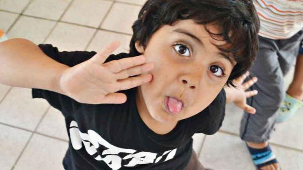 Madina. Die Sechsjährige auf einem Foto, das ihre Schwester Nilab aufgenommen hat.