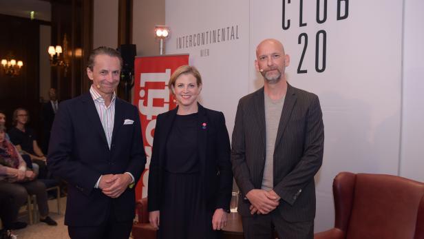 Beate Mein-Reisinger mit Christian Rainer (links) und Clemens Neuhold (rechts)