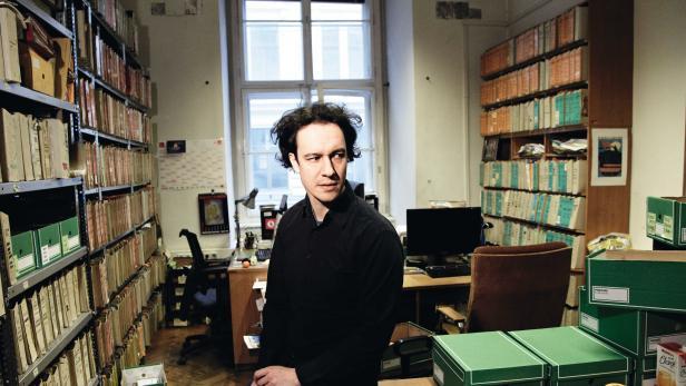 """Bernhard Weidinger, Mitarbeiter des Dokumentationsrachivs des österreichischen Widerstandes (DÖW): """"Im burschenschaftlichen  Milieu ist man irritiert."""""""
