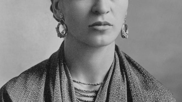 Frida fotografiert von Guillermo Kahlo (1871-1941)