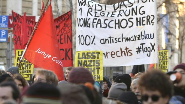 Demonstration gegen die neue ÖVP/FPÖ-Regierung