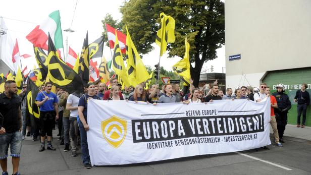 Die Identitäre Bewegung Österreich bei einer Demonstration am Samstag, 11. Juni 2016.