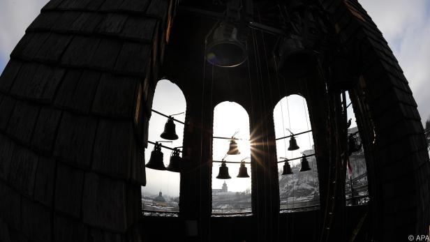 Kirchenglocken läuten gegen Hunger (Salzburger Glockenturm, Archiv)