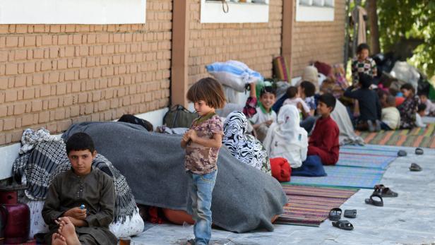 Menschen aus dem ganzen Land sind vor den Taliban nach Kabul geflohen
