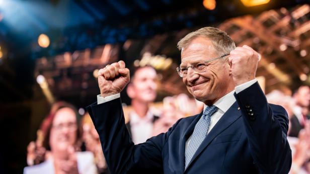 Thomas Stelzer beim Wahlkampfauftakt der OÖVP