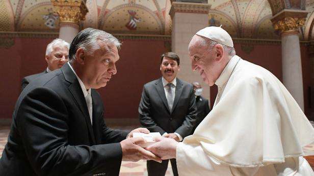 Papst Franziskus mit Viktor Orbán
