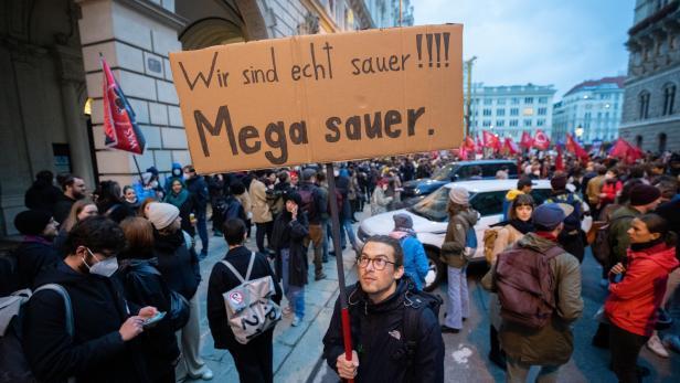 """Demonstration """"ES REICHT - KURZ MUSS GEHEN!"""""""